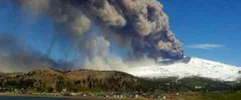 Imagen-Video: Alerta roja en Argentina y Chile por actividad de volcan Copahue