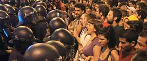 Imagen-Video: Indignados de Espana exigen la renuncia de Mariano Rajoy