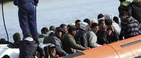 Imagen-Ahttp://elecuatoriano.net/wp-content/uploads/2012/03/pateras-migrantes-472x216.jpg