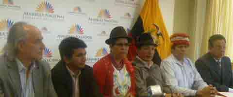 """Imagenes-Ecuador: Lideres sociales e indigenas """"los mismos de siempre"""" presentan reclamo ante linchamiento mediatico"""