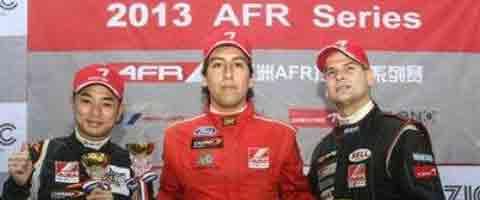 Imagen-El Piloto Colombo – Ecuatoriano Julio Sebastian Acosta es el campeon de la Formula Renault de Asia