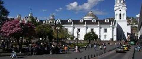 Imagen-Ecuador: Una eleccion mas, y el candidato oficial volvio a ser uno solo