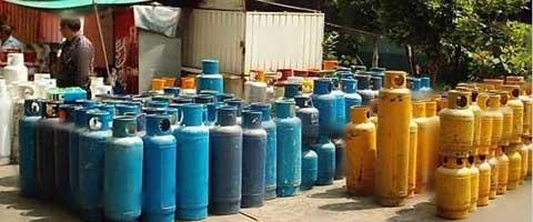 Imagen-Ecuador: Gobierno mete la mano al bolsillo del pueblo, el gas de uso domestico