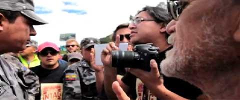 Imagen-Video: Policia bloquea Caravana Pacifica por Intag - Cotacachi, Ecuador