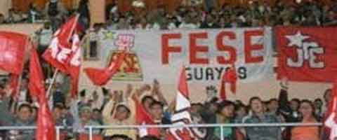 Imagen-Ecuador: Estudiantes se oponen a elevacion de pasajes
