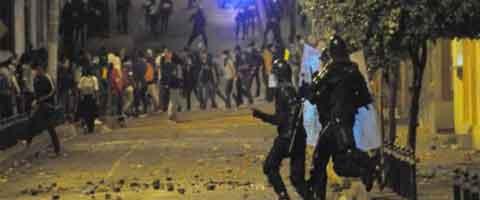 Imagen-Ecuador: Embestida policial durante protestas