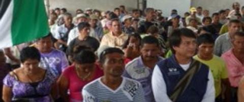 Imagen-Ecuador: Comunidades se oponen a explotacion petrolera en sus territorios
