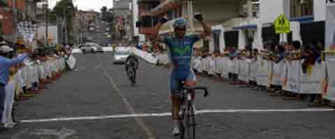 Imagen-Ciclista  del Movistar Team Ecuador gana la sexta etapa de la Vuelta Ciclistica